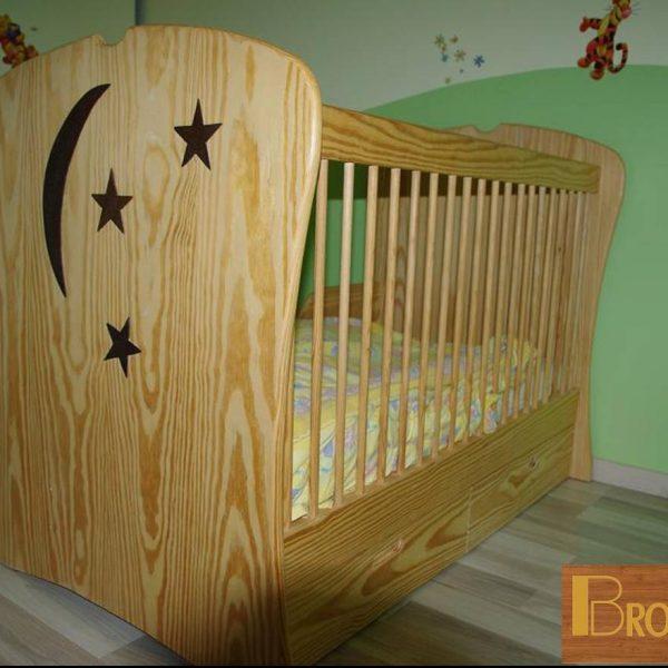 meuble fabriqué en 2011 - lit d'enfant évolutif en pin massif- réglage de la hauteur de lit en fonction de l'âge de l'enfant.
