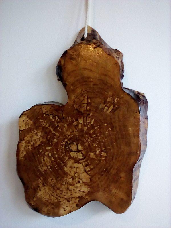 plateau de découpe en bouleau, forme originale, finition huilée compatibles avec le contact des aliments.